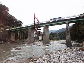 実橋の静的載荷試験